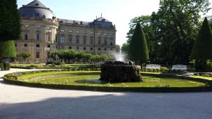 13 Der Hofgarten von seiner schönsten seite