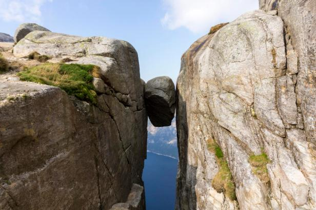Outdoorlife_Norway_Autumn_Hike_To_Kjerag_20160916_15_8f6d9bc0-381d-4071-a019-22a2e4fb521e